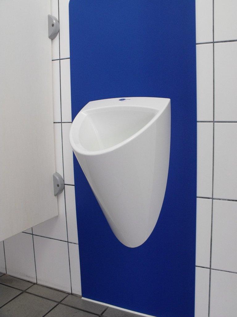 urinal r ckwand. Black Bedroom Furniture Sets. Home Design Ideas
